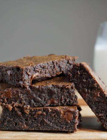 FODMAP diet desserts - Gluten free Olive Oil Brownies