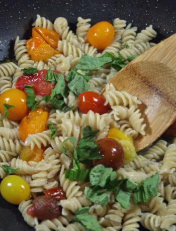 FODMAP foods - cherry tomato & basil pasta sauce