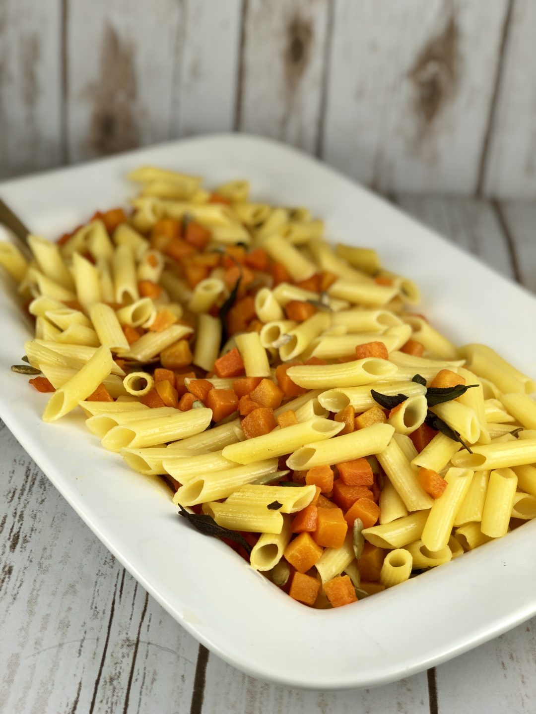 low FODMAP foods - pasta with roasted squash & sage
