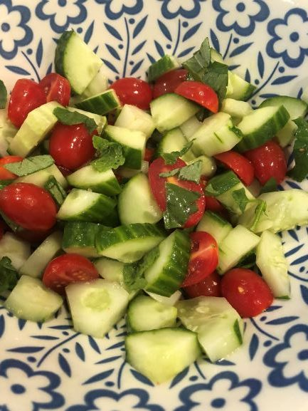 low FODMAP friendly salad - cucumber & tomato salad